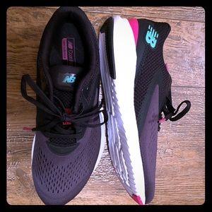 Women's size 8 New Balance shoes